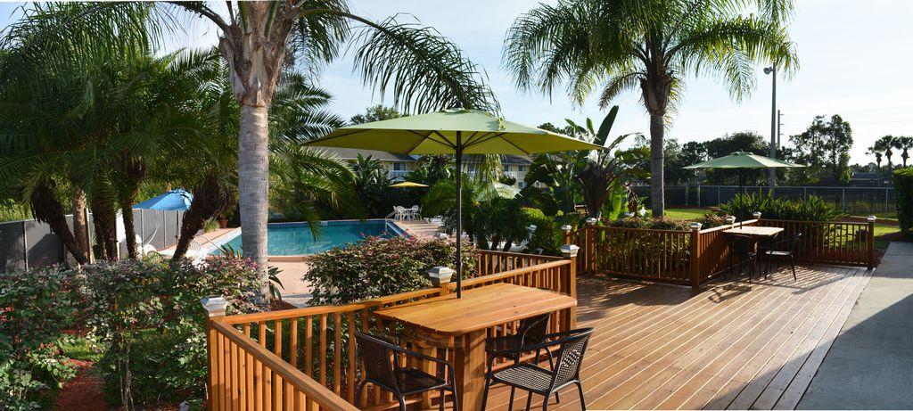 1700 Woodlake Dr NE, Palm Bay, FL 32905