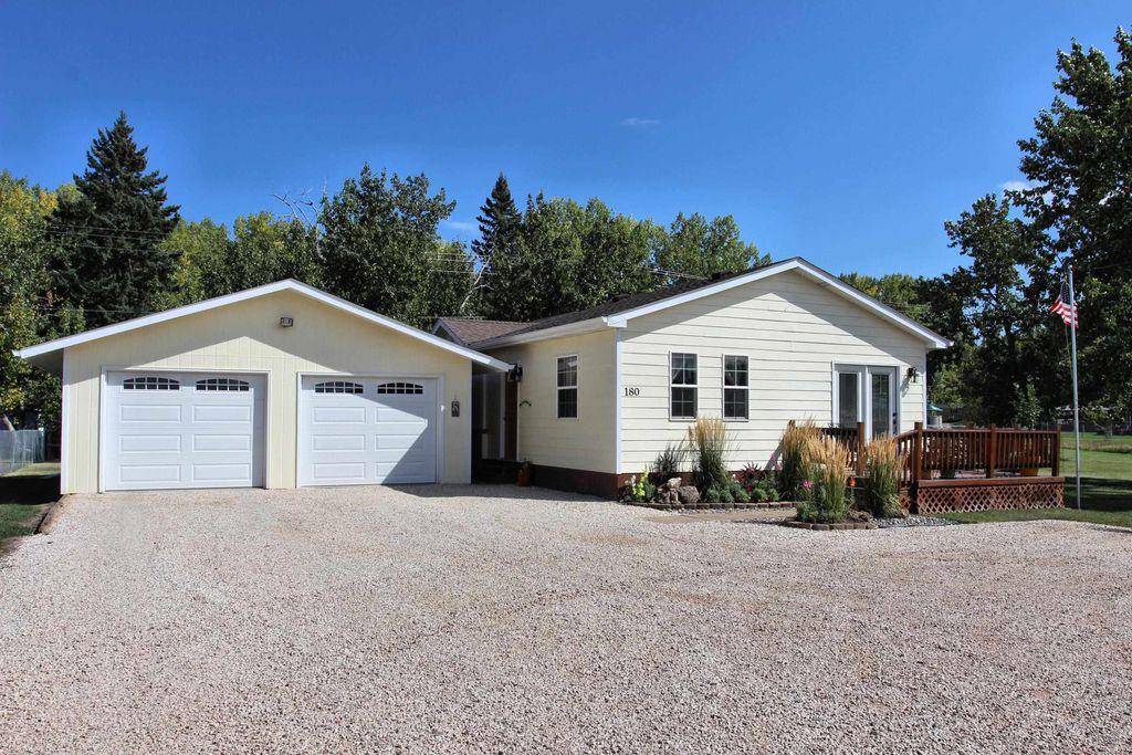 180 Sidney Park Rd, Custer, SD 57730