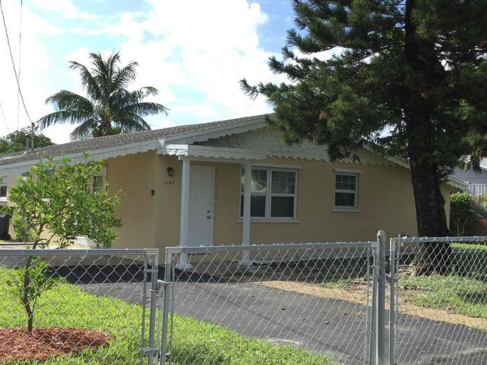 1940 SW 65th Ter, North Lauderdale, FL 33068