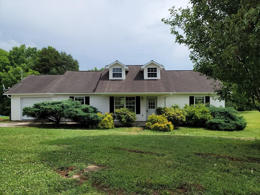 4540 Winslow Dr, Strawberry Plains, TN 37871