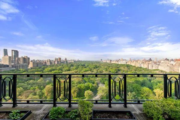 150 Central Park S #2501, New York, NY 10019