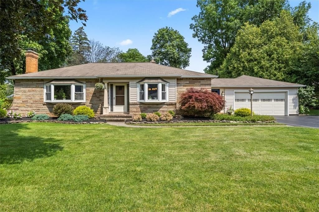 202 Overbrook Rd, Rochester, NY 14618