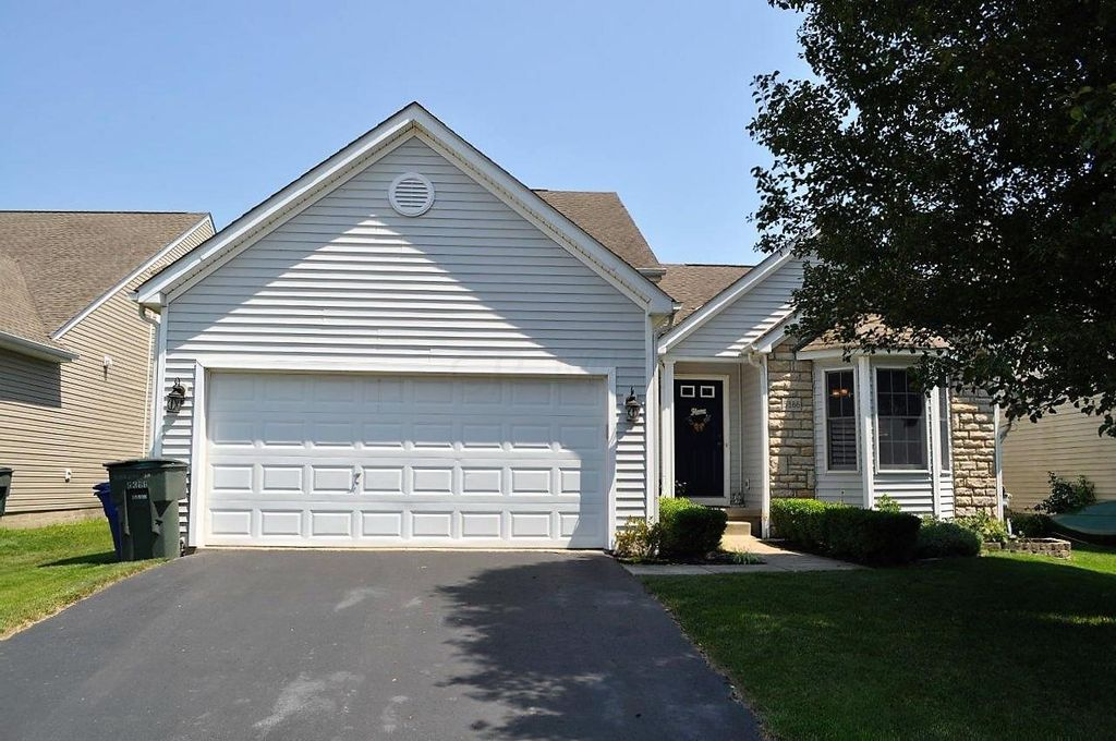 5366 Timber Grove Dr, Canal Winchester, OH 43110