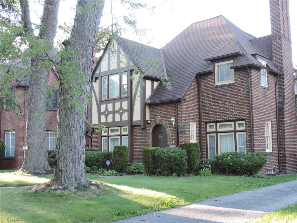 18111 Lomond Blvd, Shaker Heights, OH 44122