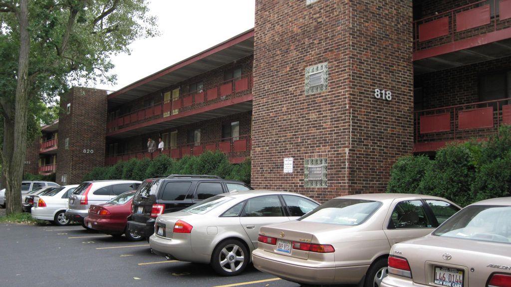 818 Noyes St, Evanston, IL 60201