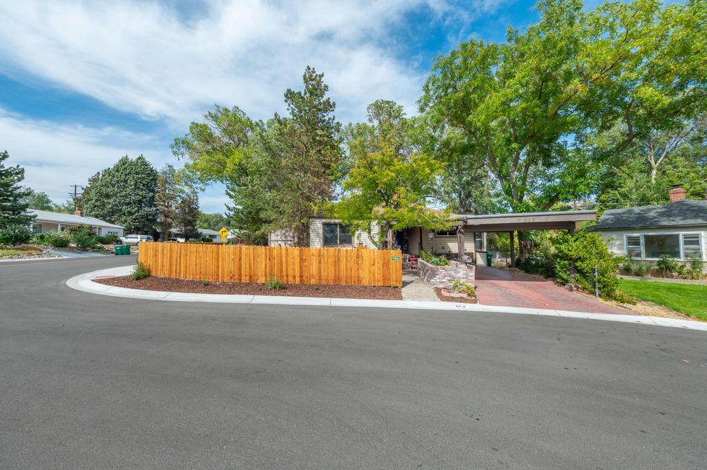 946 Gear St, Reno, NV 89503