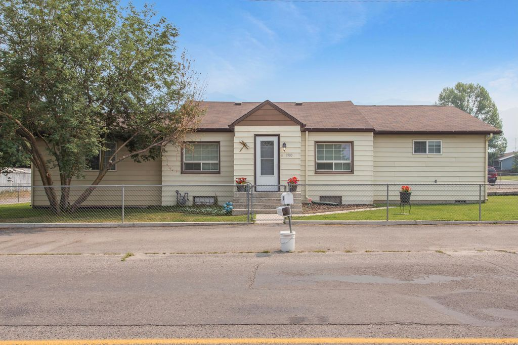 1900 Lafayette Ave, Butte, MT 59701