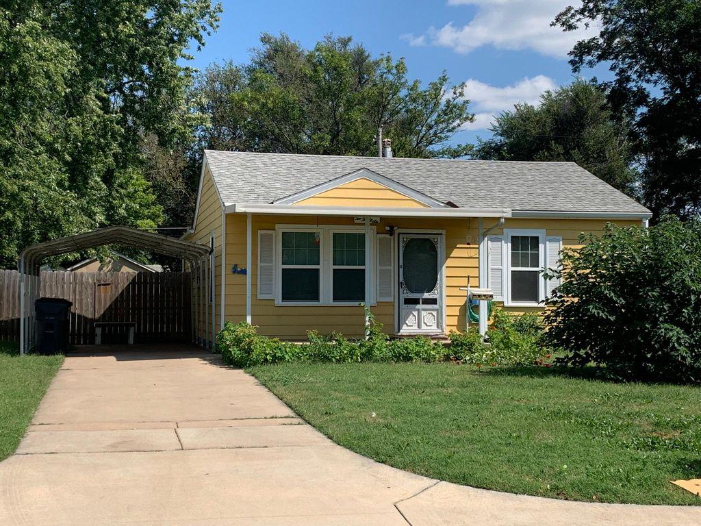 236 N Maynard Ave, Haysville, KS 67060