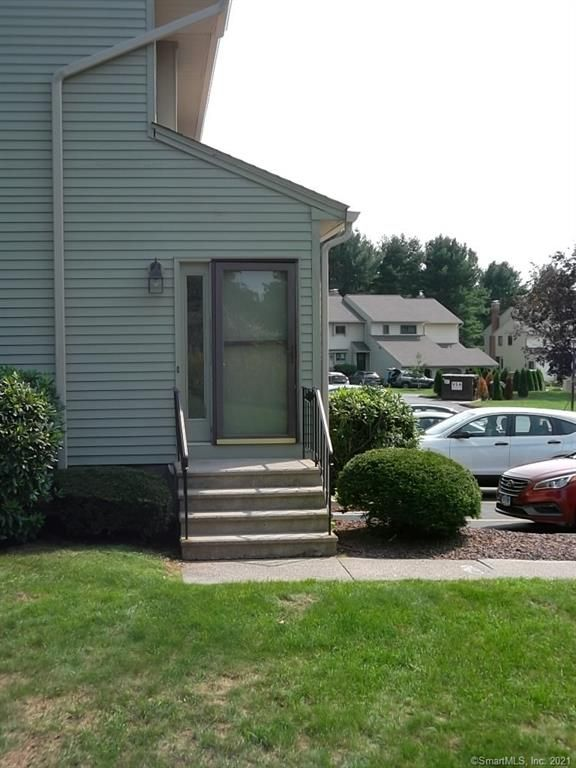 702 Summer Hill Dr #702, South Windsor, CT 06074