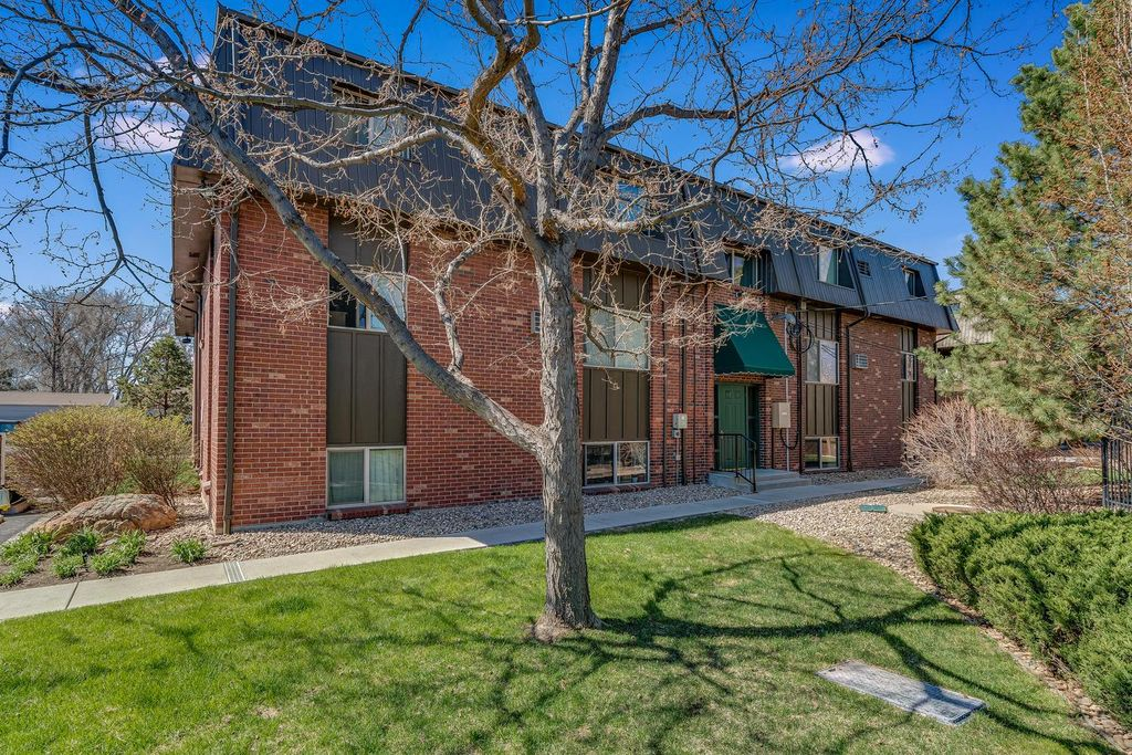 5379 Balsam St, Arvada, CO 80002