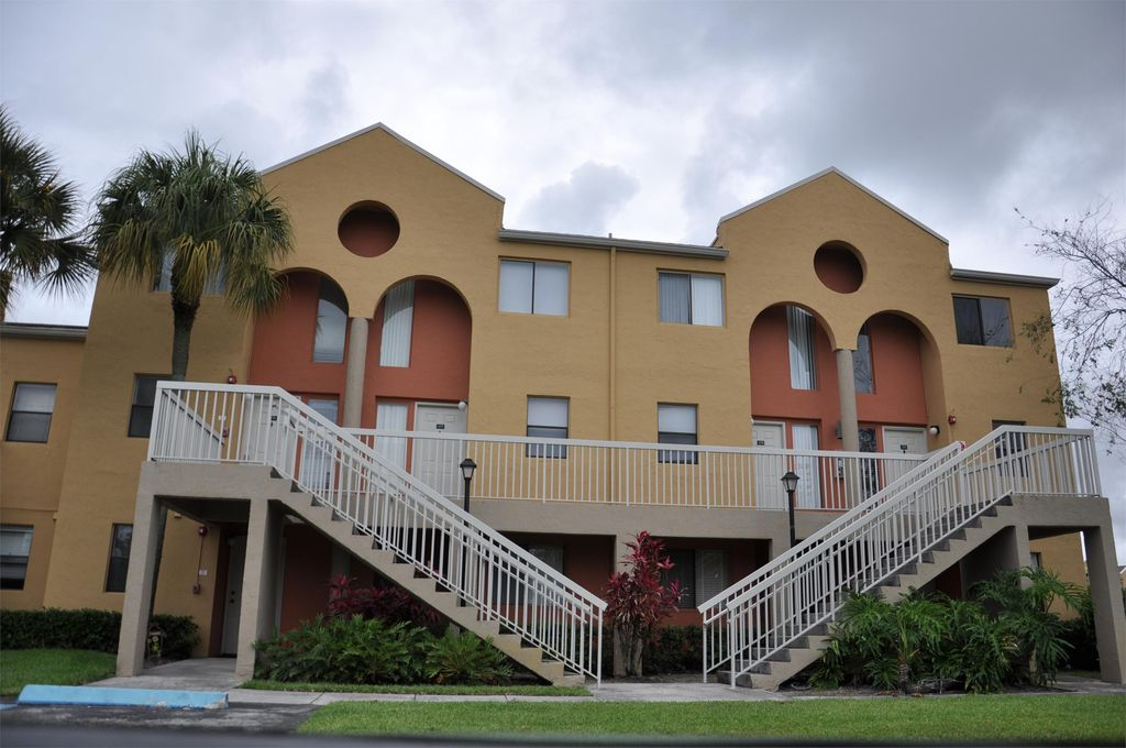 5200 NW 31st Ave #J176, Fort Lauderdale, FL 33309