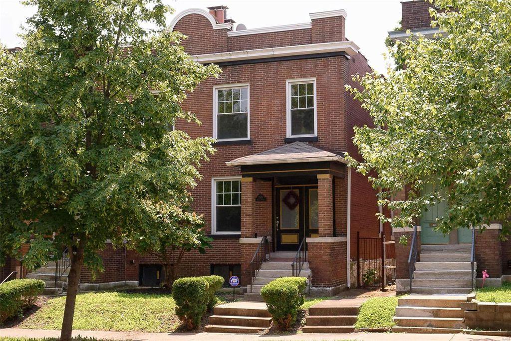 2930 Victor St, Saint Louis, MO 63104
