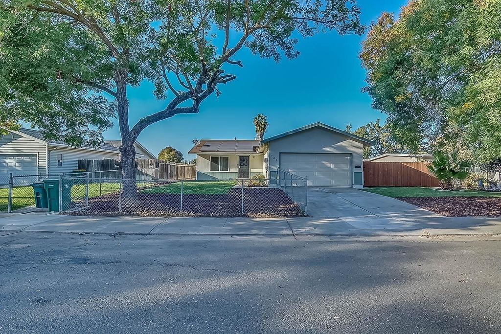 709 Toland Ln, Stockton, CA 95207