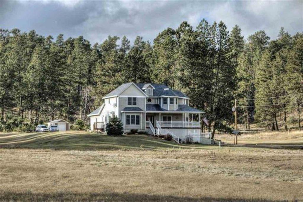 11836 Diamond Rd, Custer, SD 57730