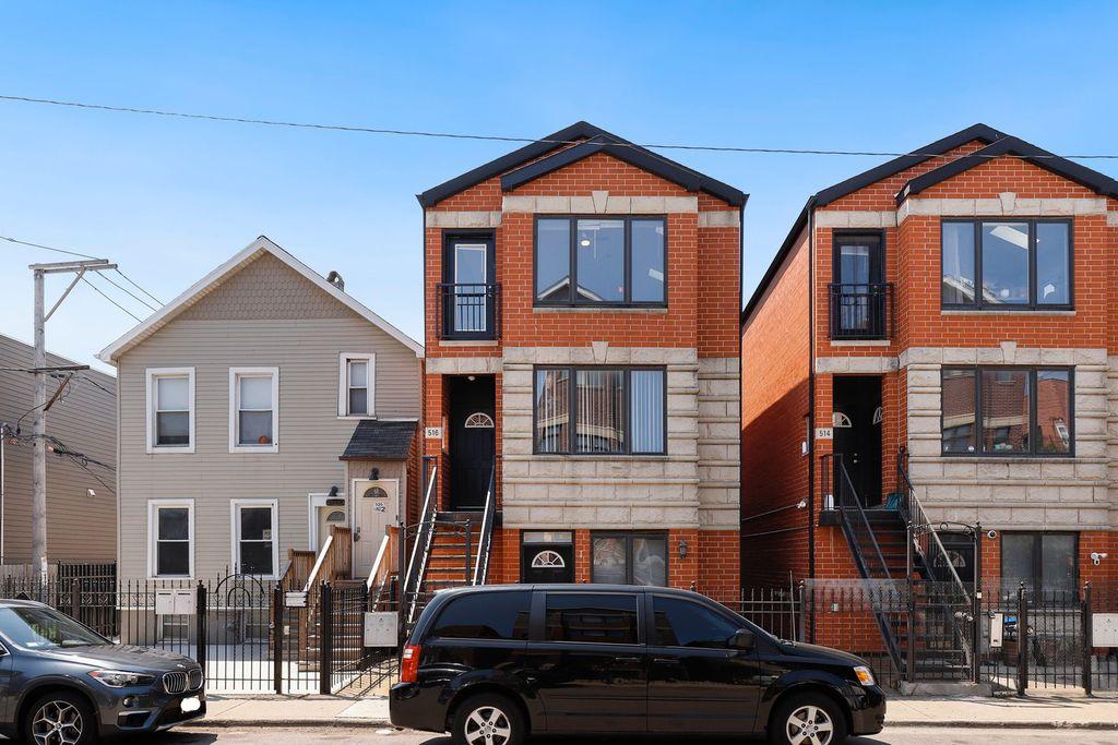 516 S Denvir Ave #3, Chicago, IL 60612