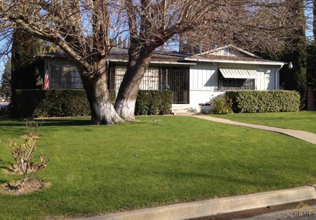2 Montrose St, Bakersfield, CA 93305