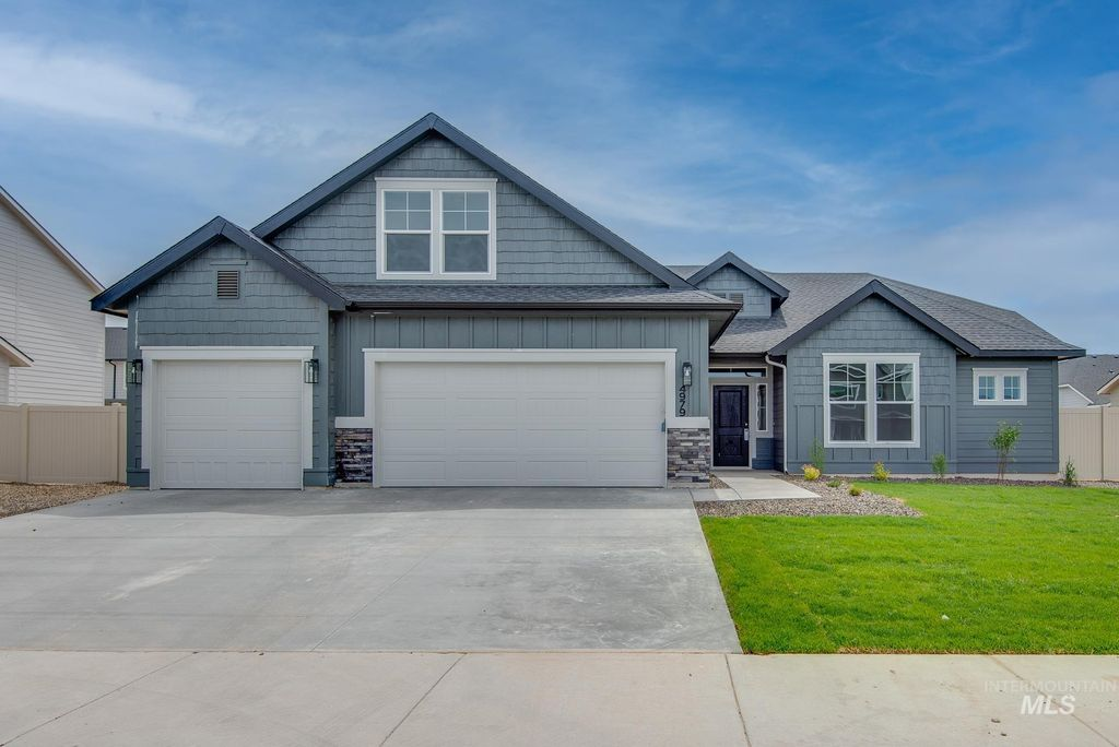 2369 N Meadowhills Ave, Star, ID 83669