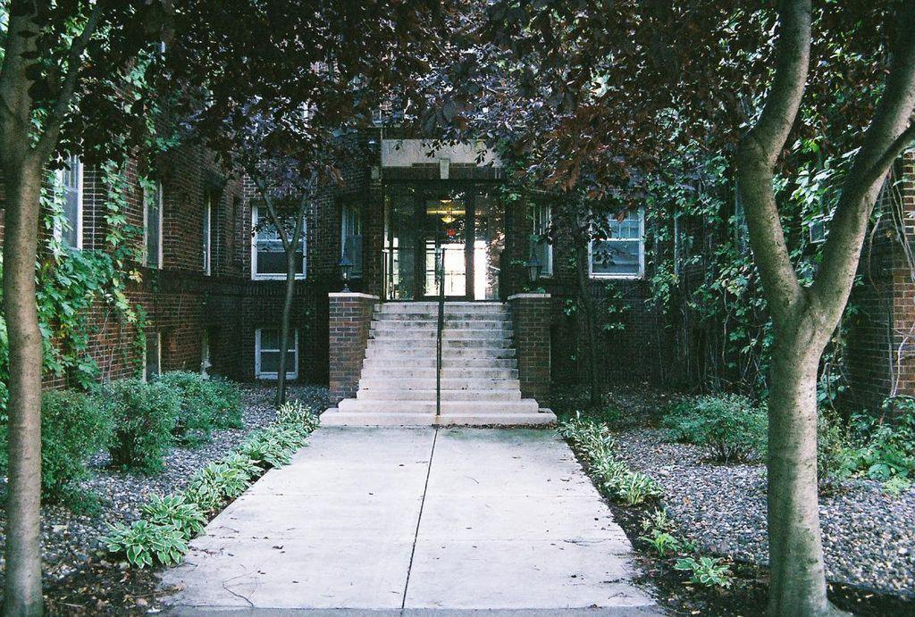610 W Franklin Ave, Minneapolis, MN 55405