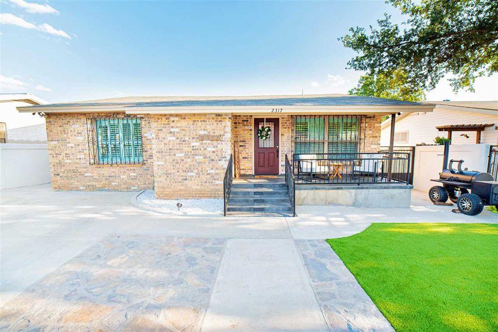 2317 Galveston St, Laredo, TX 78043