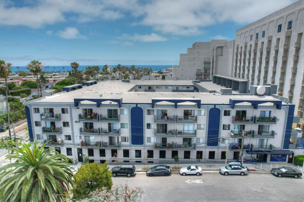 1920 6th St, Santa Monica, CA 90405