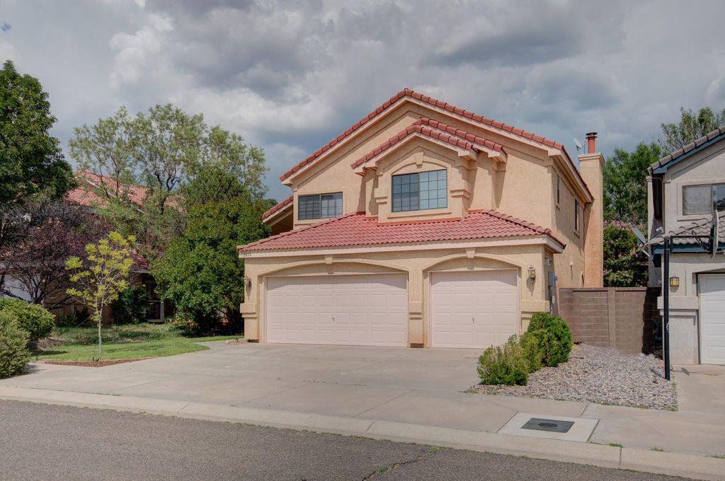 8432 Manuel Cia Pl NE, Albuquerque, NM 87122
