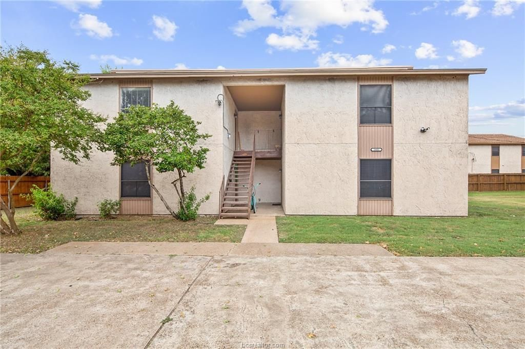 1601 Brentwood Dr #C, College Station, TX 77840