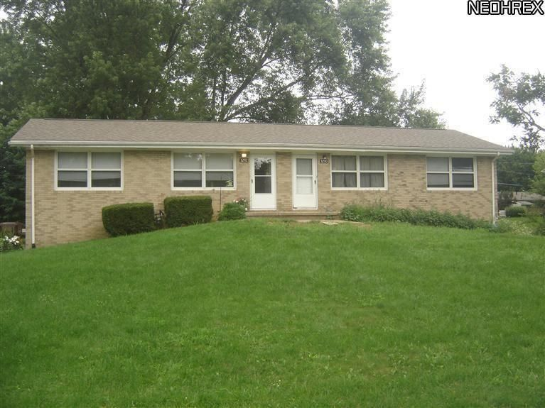 3290 Delray Ave NW, Massillon, OH 44646