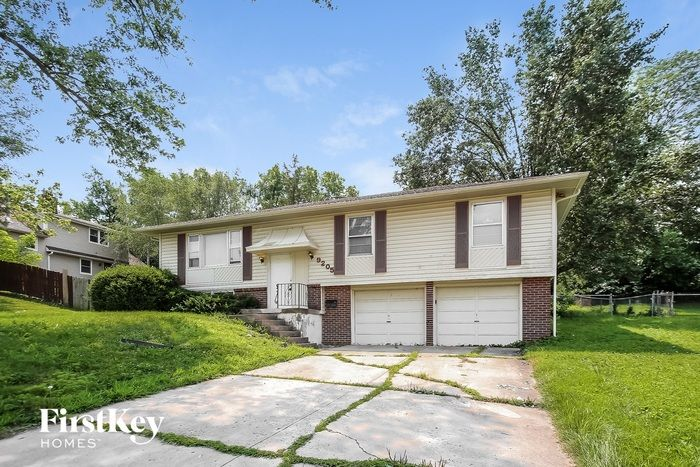 9205 E 84th St, Kansas City, MO 64138