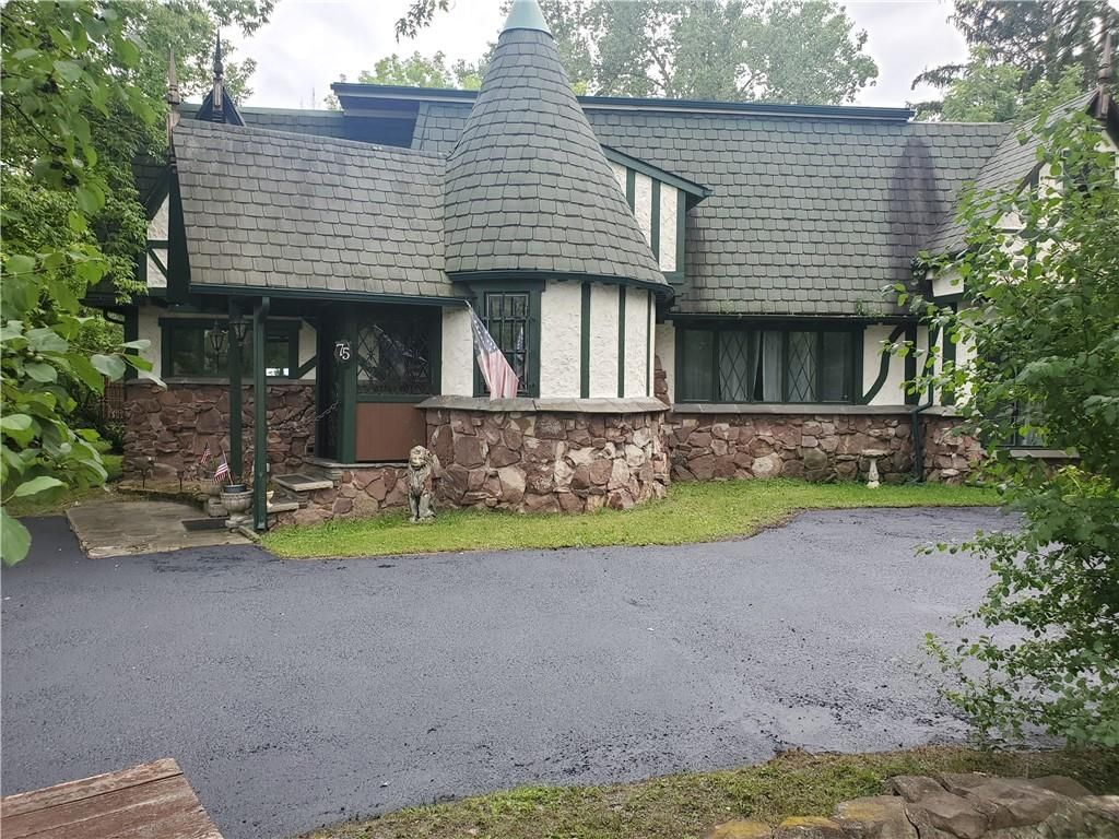 75 Queensway Rd, Rochester, NY 14623