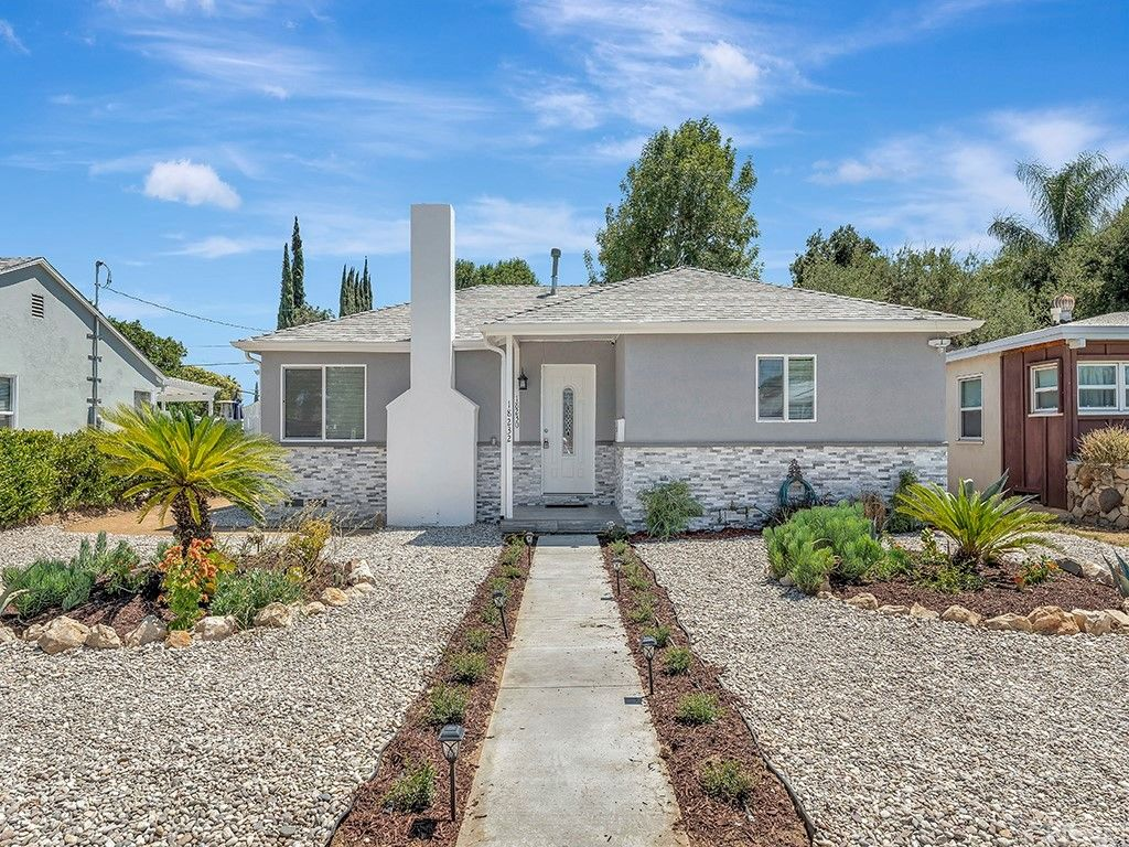 18230 Hartland St, Reseda, CA 91335