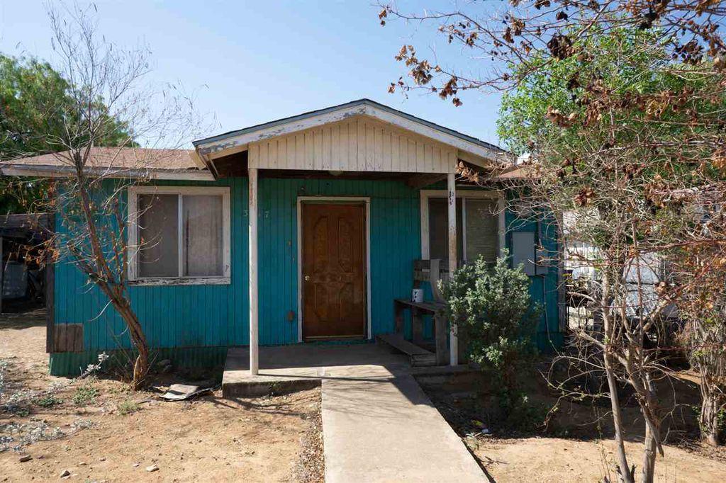 3217 Santa Clara St, Laredo, TX 78046