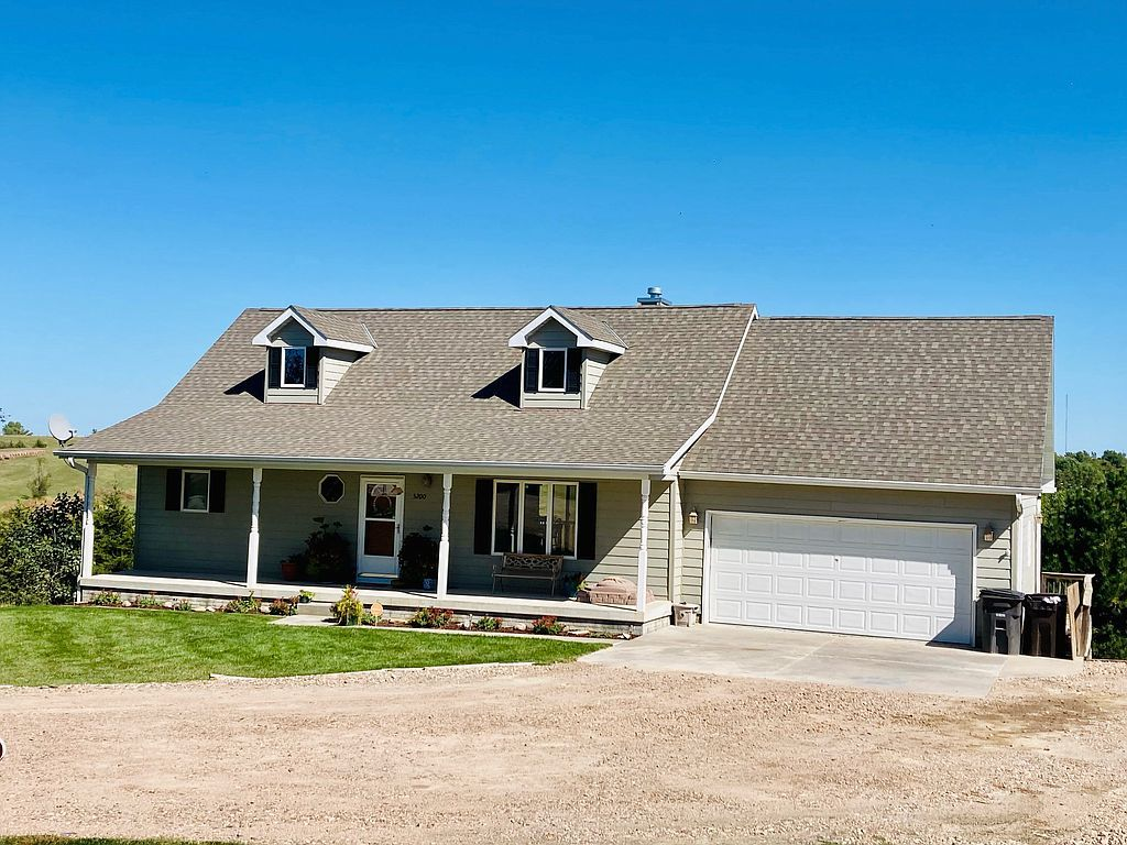 5200 W Cottonwood Rd, Kearney, NE 68845