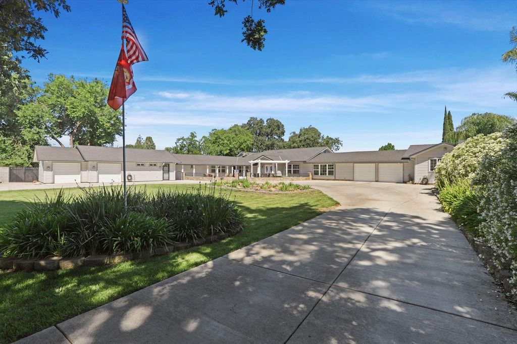 2033 Lucile Ave, Stockton, CA 95209