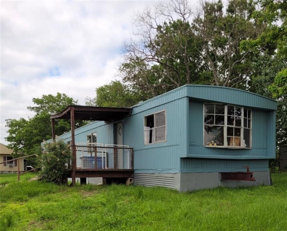 773 W Independence St, Giddings, TX 78942