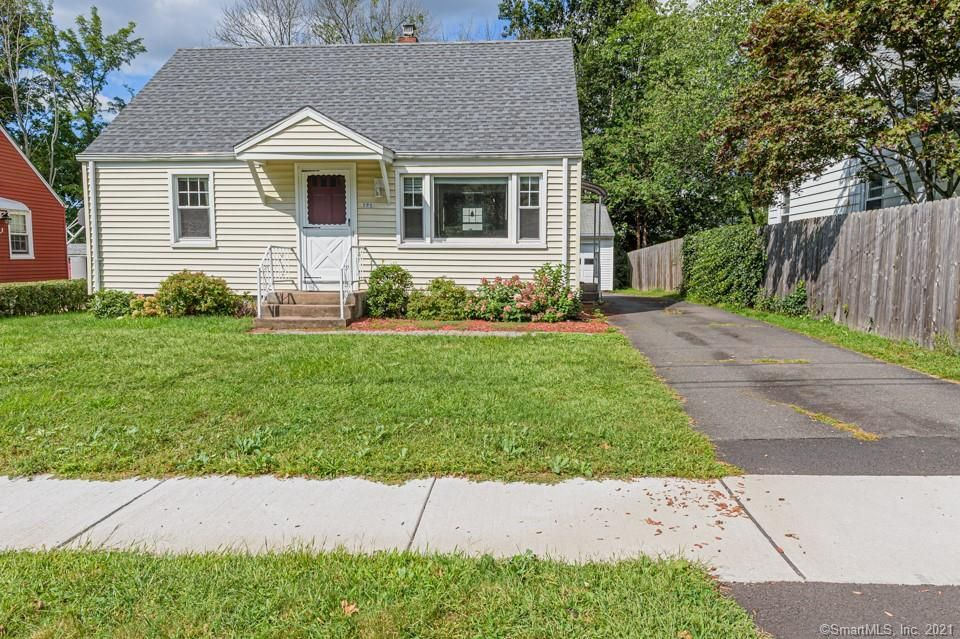 121 Loomis St, Manchester, CT 06042
