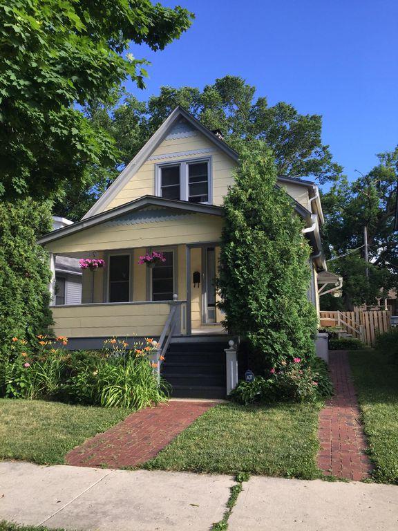 1830 Grant St #2, Evanston, IL 60201