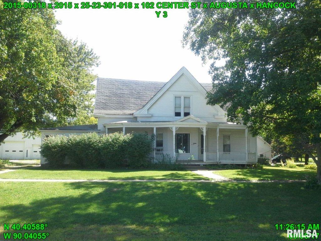 102 Center St, Augusta, IL 62311