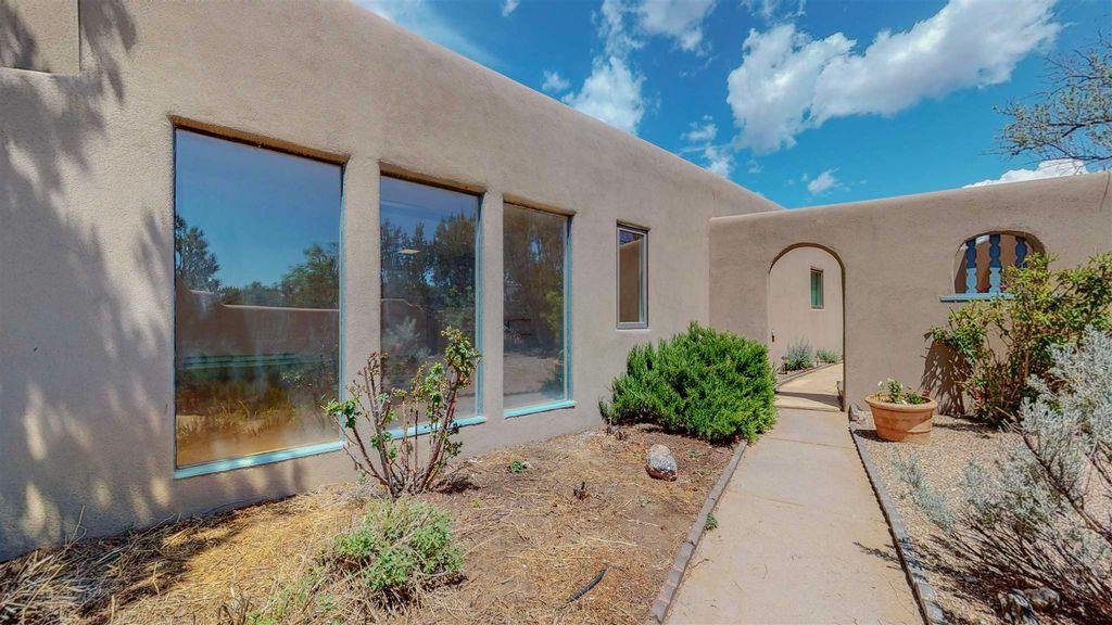 14 Verano Loop, Santa Fe, NM 87508