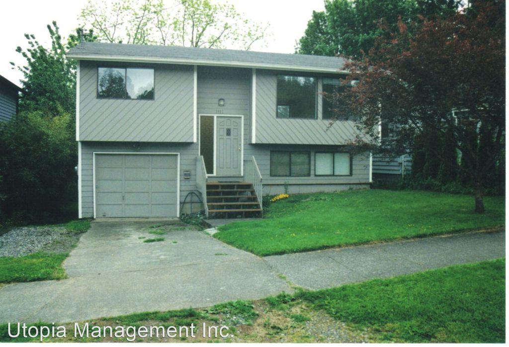1912 Harris Ave, Bellingham, WA 98225