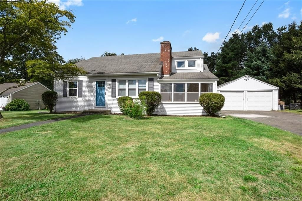 10 Valleyview Dr, Middlefield, CT 06455