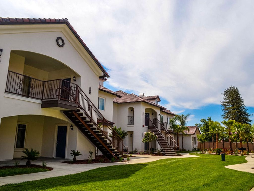 7525 N Willow Ave, Fresno, CA 93720