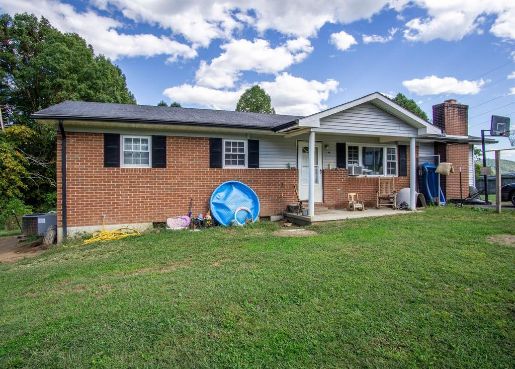 276 Mountain View Rd, Williamsburg, KY 40769