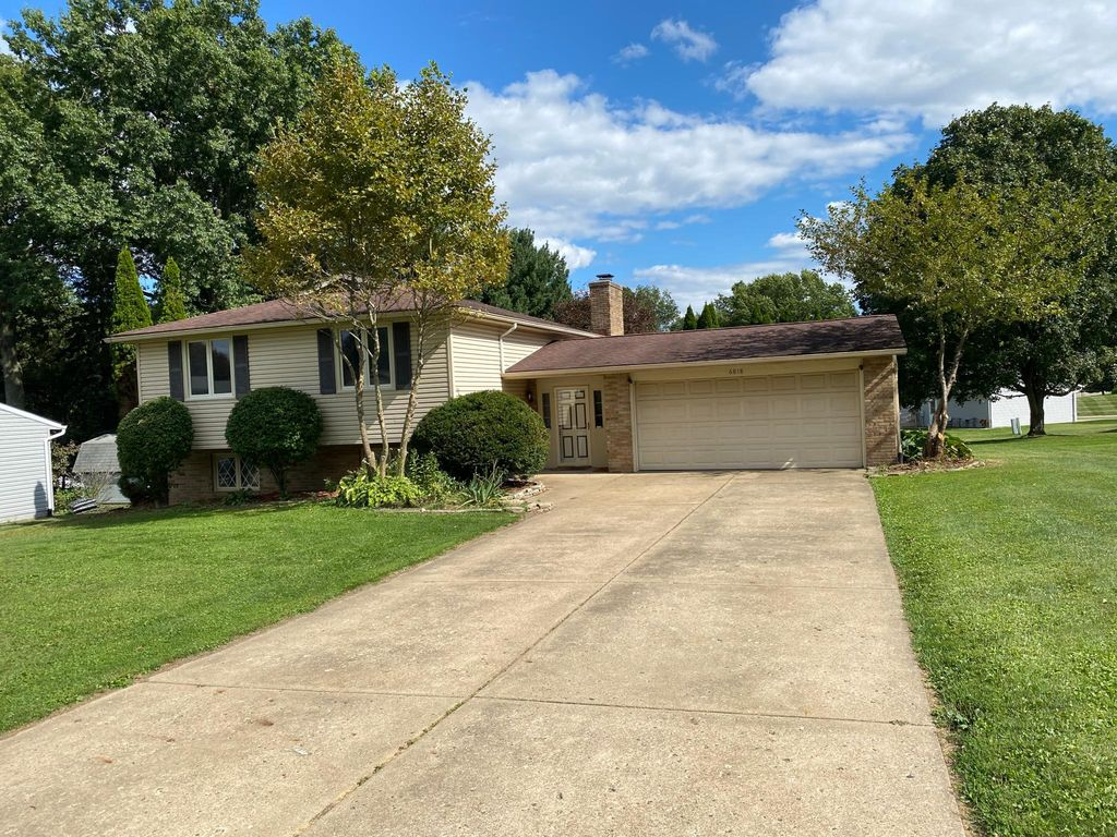 6818 Lake Cable Ave NW, North Canton, OH 44720