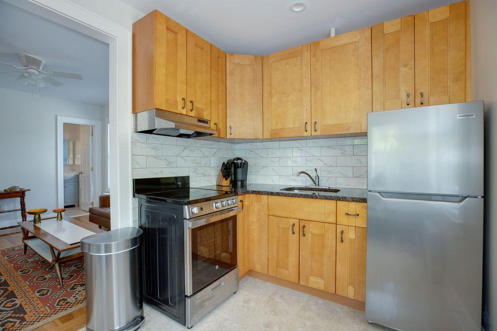 857 Main St #2A, Greenport, NY 11944