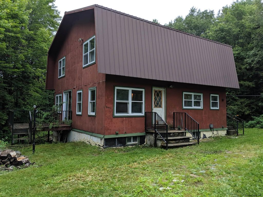 809 State Route 8, Hoffmeister, NY 13353