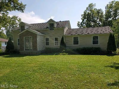 37165 Giles Rd, Grafton, OH 44044