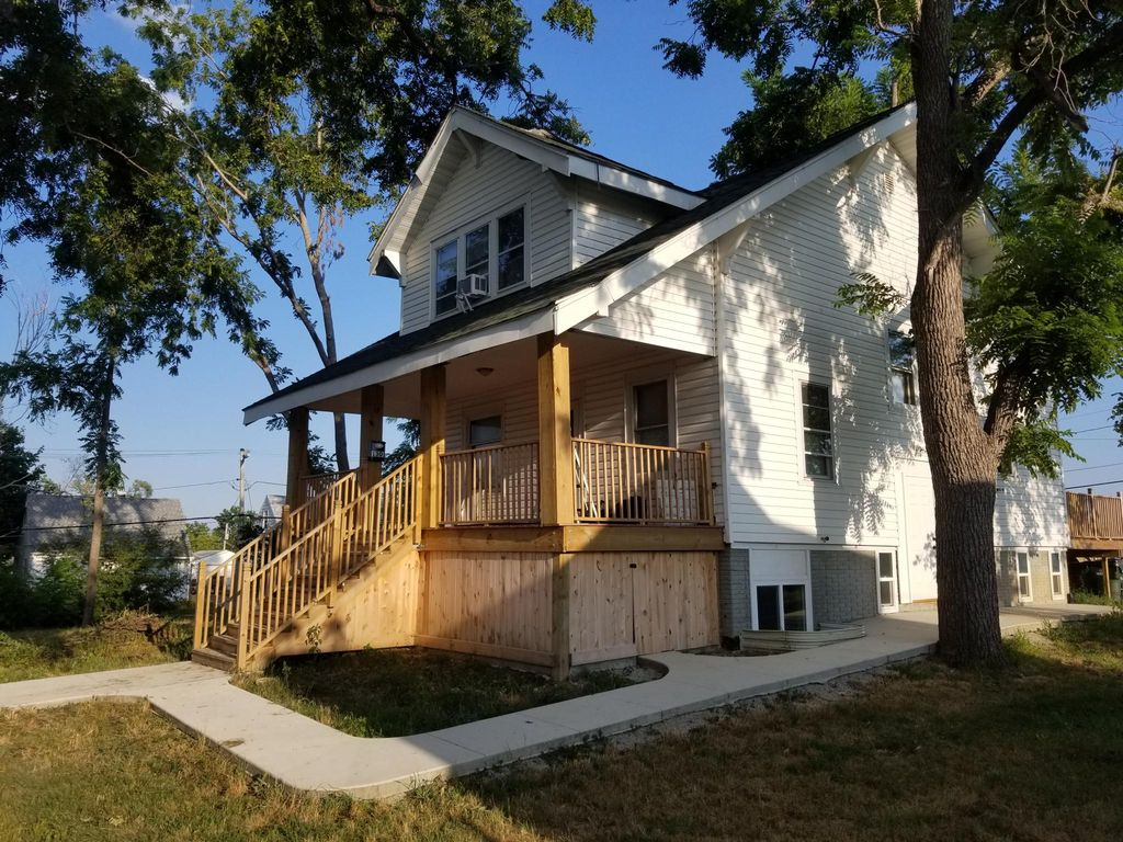 1301 19th Ave SW, Cedar Rapids, IA 52404