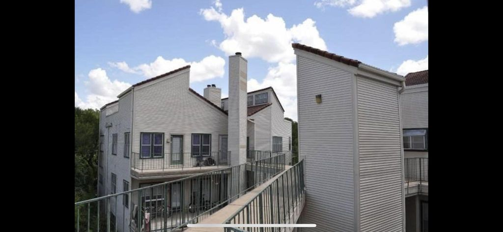 3115 Tom Green St #401, Austin, TX 78705