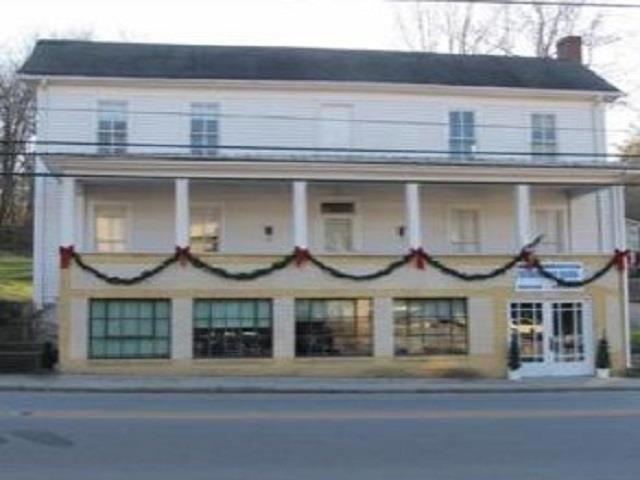 101 S Main St, Brownsville, KY 42210