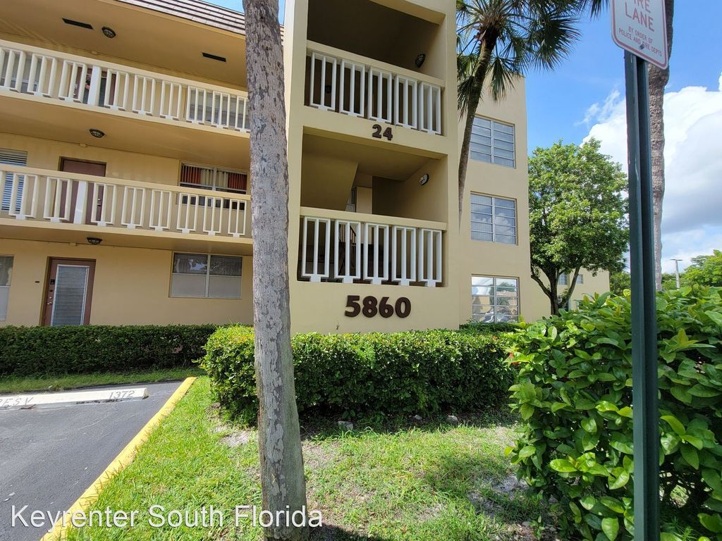 5860 NW 64th Ave #302, Fort Lauderdale, FL 33319